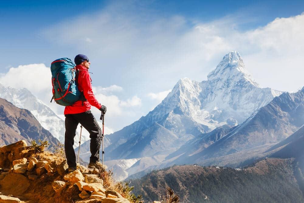 vistas do nepal num dia de trekking