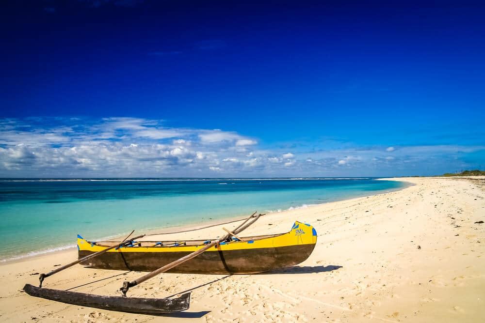 praia de anakao em madagascar