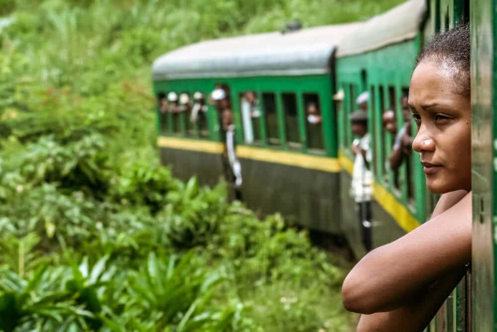 comboio pela selva de madagascar
