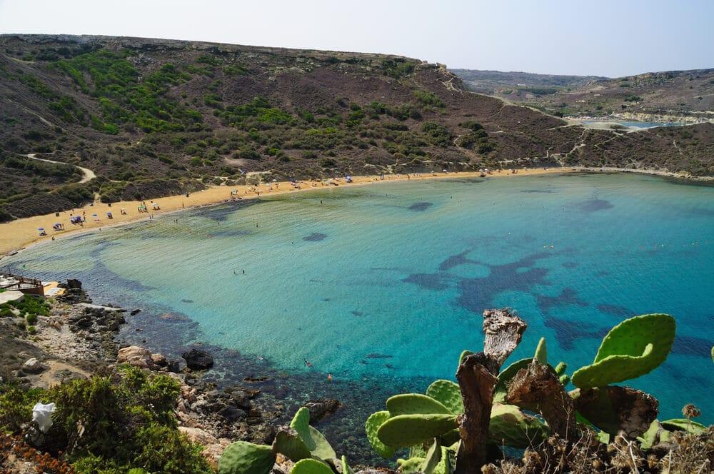 praia de anchor bay em malta