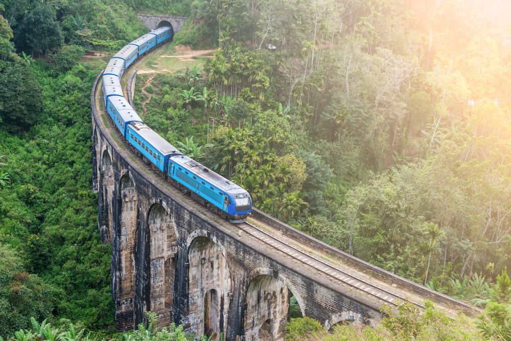 comboio de viagem para ella no sri lanka
