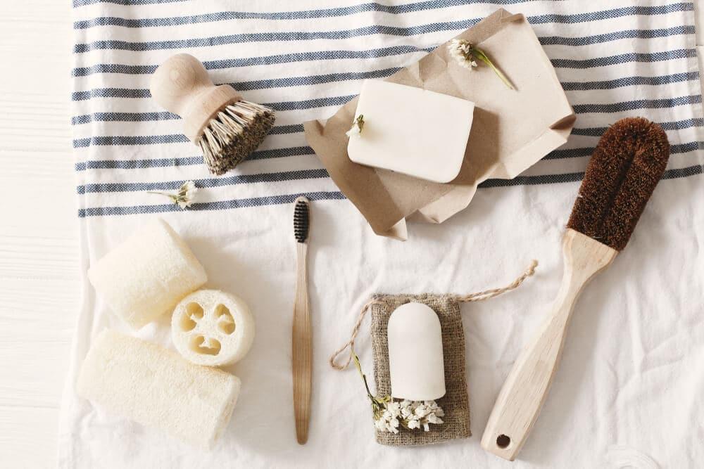 produtos de higiene pessoal em bambu
