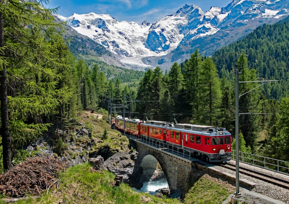 bernina express nos alpes suiços