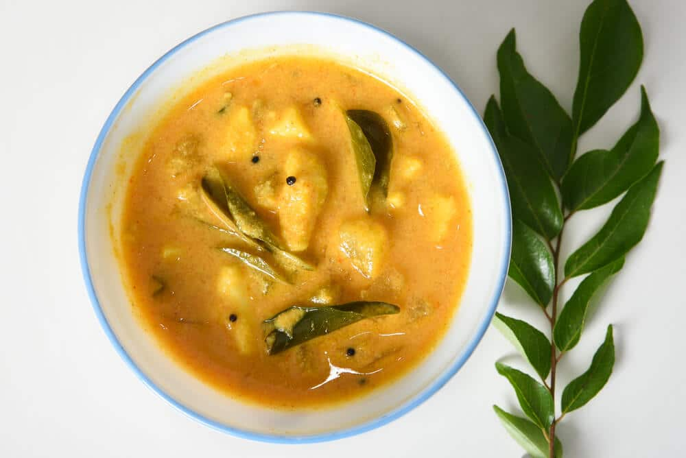 prato de caril de jaca com manga