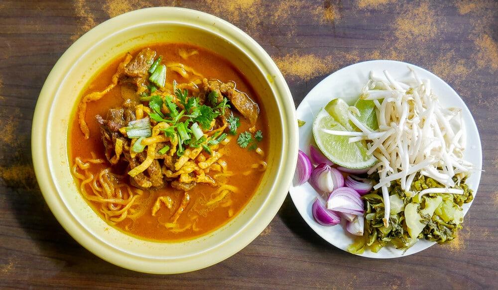 khao soi prato tradicional tailandesa