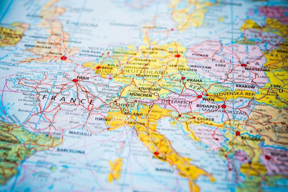 mapa da europa com italia em destaque
