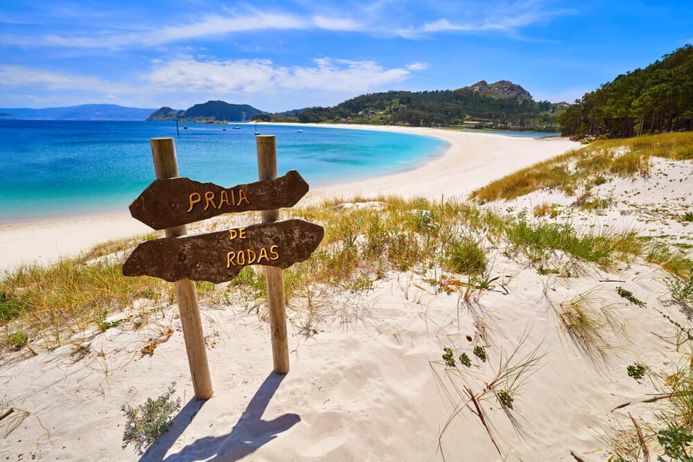 cartaz indicativo praia de rodas ilhas cies