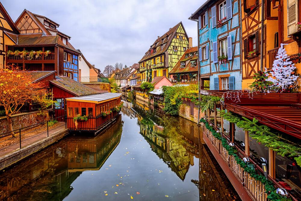 canais e casas coloridas de colmar