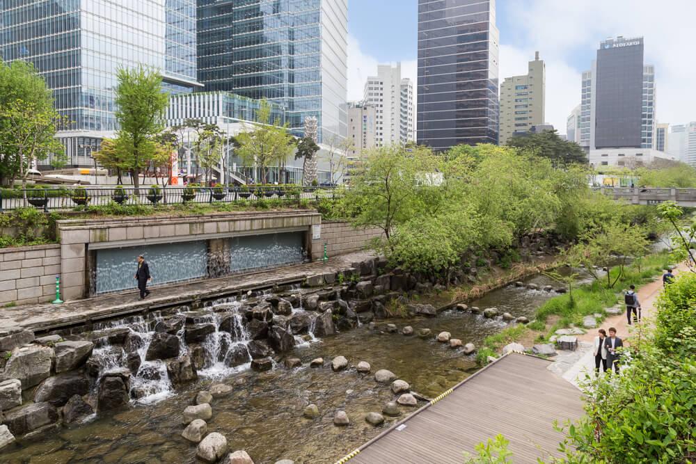 parque cheonggyecheon em seoul
