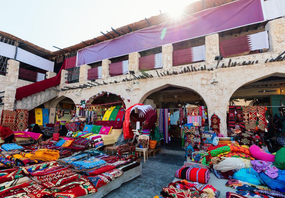 tapetes coloridos no souk