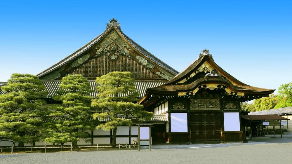 panoramica frontal do castelo nijo em quioto