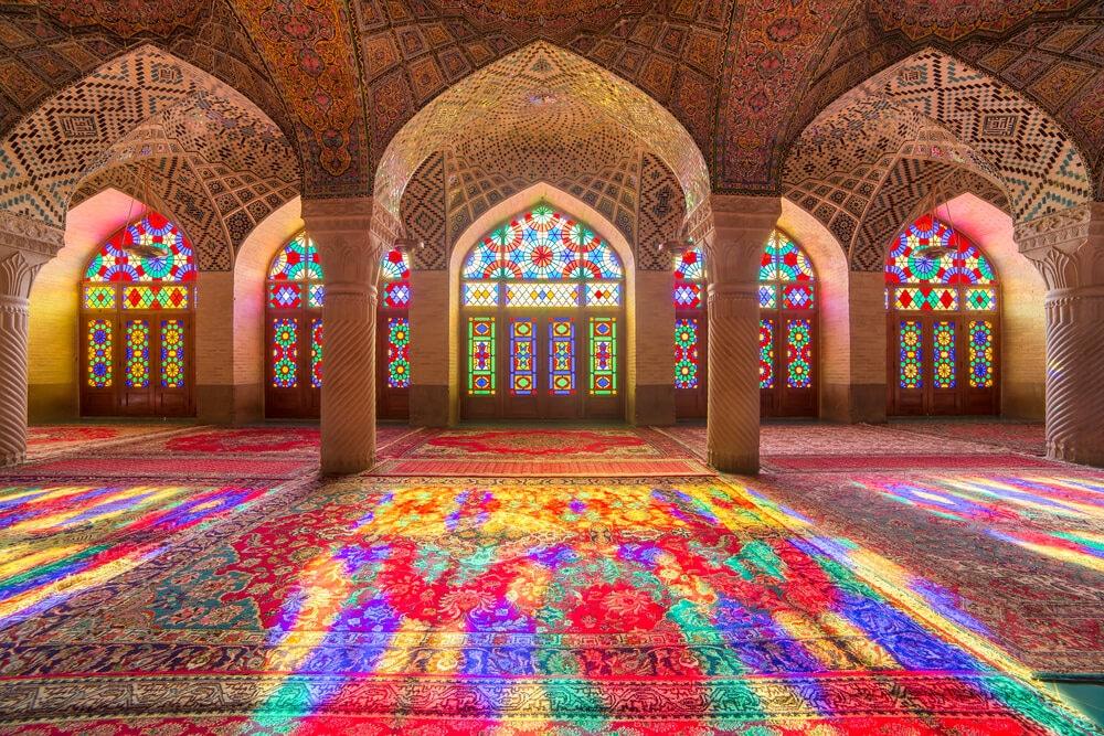 vitrais da mesquita de nasir al mulk
