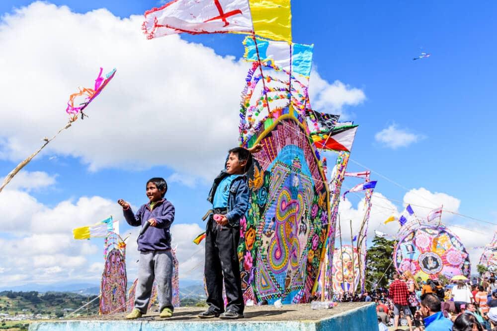 pessoas e coloridas tradições populares guatemaltecas