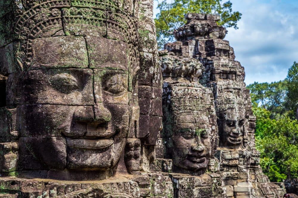 rostos de bodhisattvas no templo de Angkor Thom