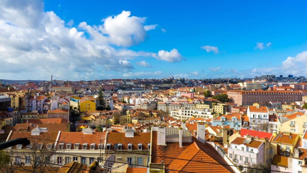 vista aérea dos bairros típicos de lisboa