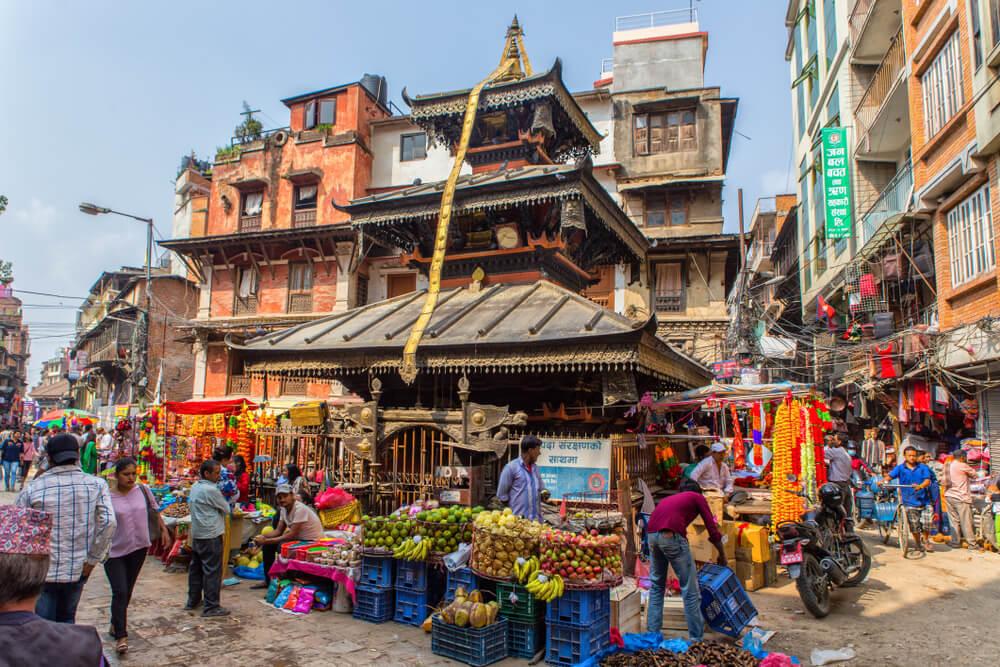 lojas nas ruas do distrito de thamel