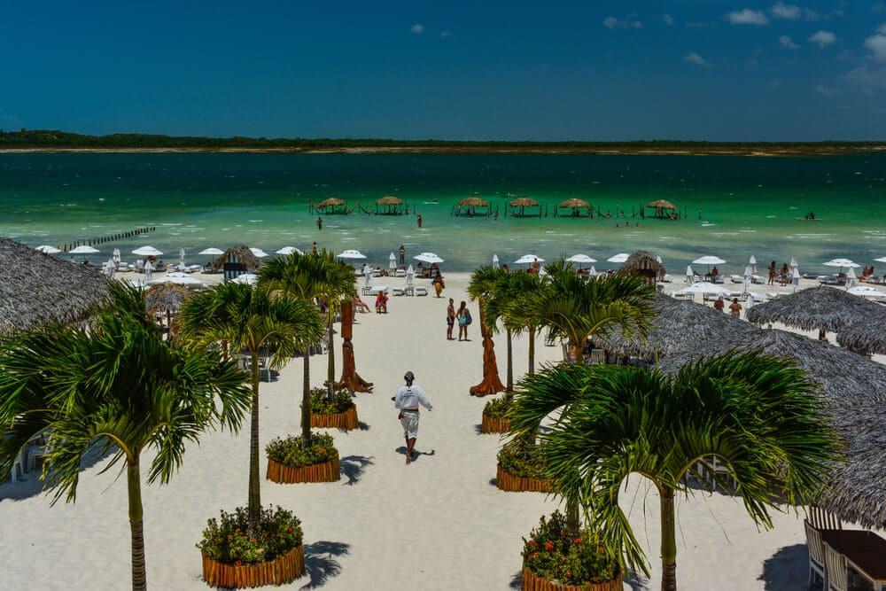 vista aerea da praia da lagoa do paraiso