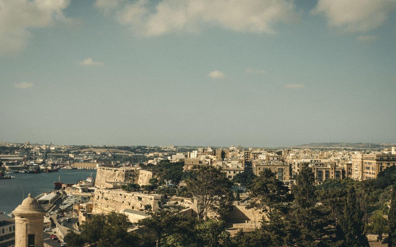 vista aerea sobre a cidade de valetta