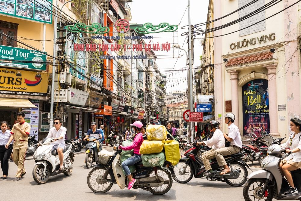 transito de motas no centro de hanoi