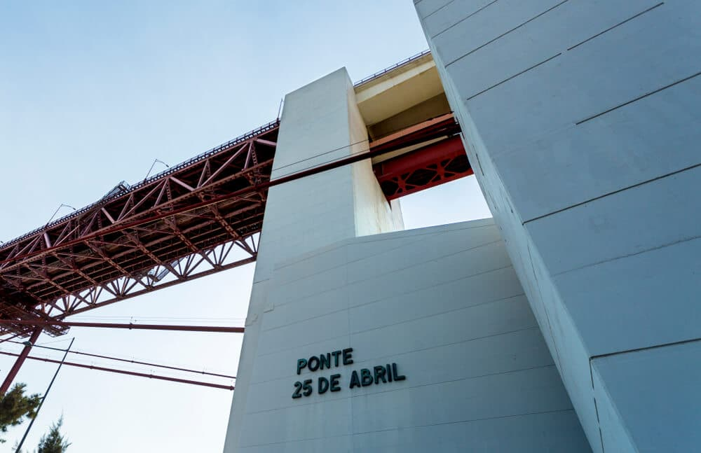pilar 7 da ponte 25 de abril
