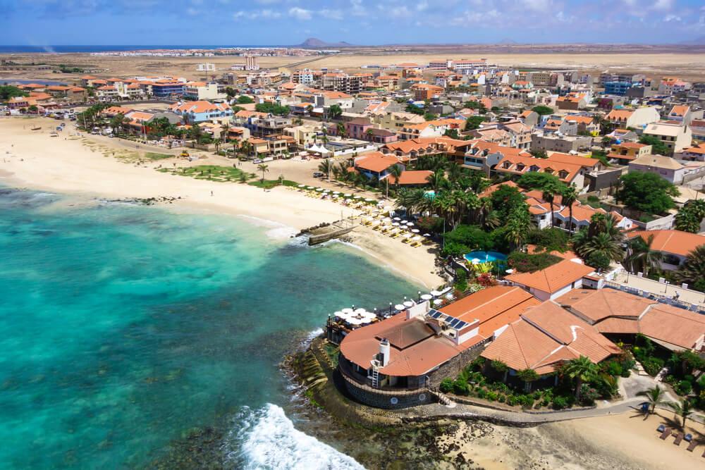 vista aérea dos resorts e da cidade de santa maria