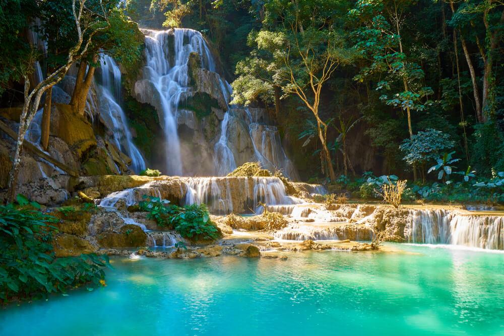 cascatas kuang si no laos