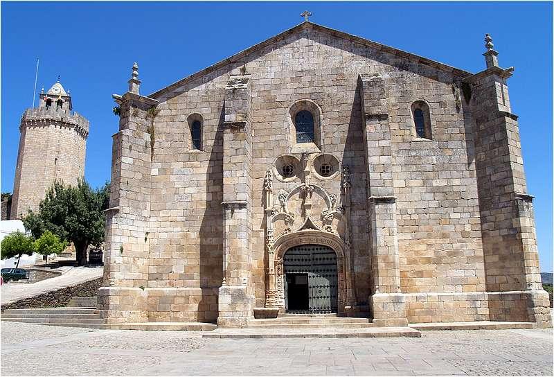 fachada da igreja matriz de freixo de espada a cinta