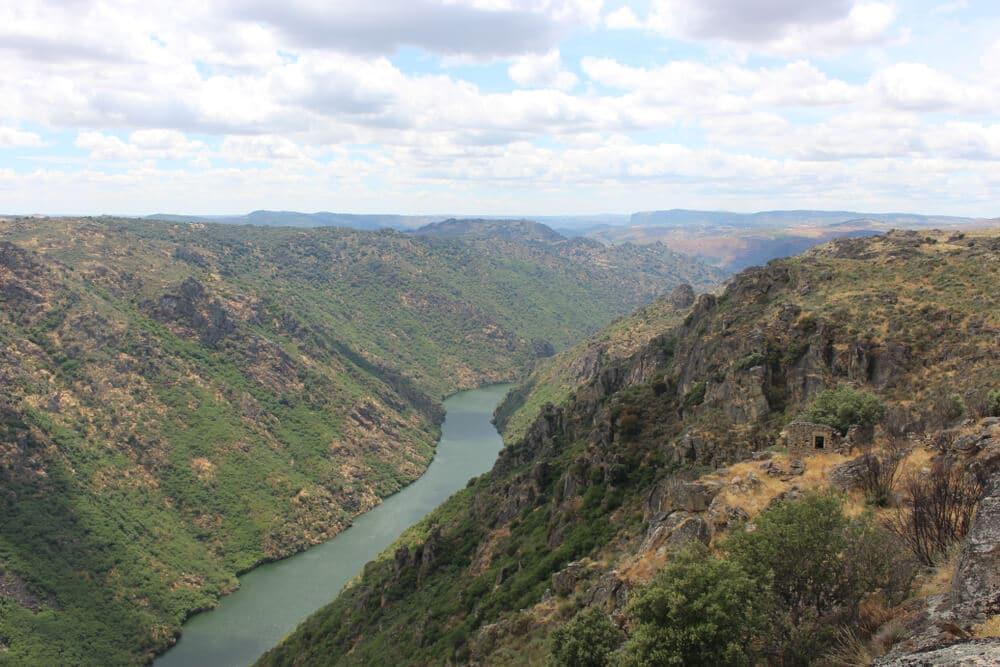 vista do rio douro desde o penedo durão