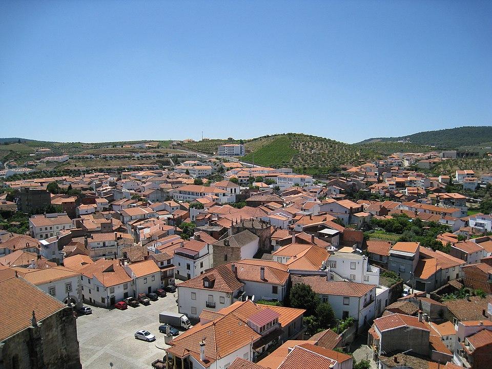 vista aerea da vila de freixo de espada a cinta