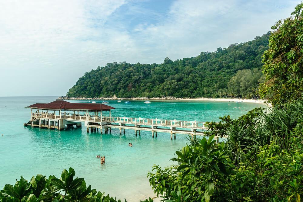 praia numa das ilhas perenthian