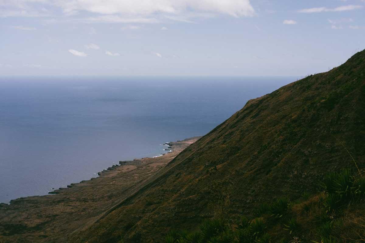 vista da costa da ilha do fogo